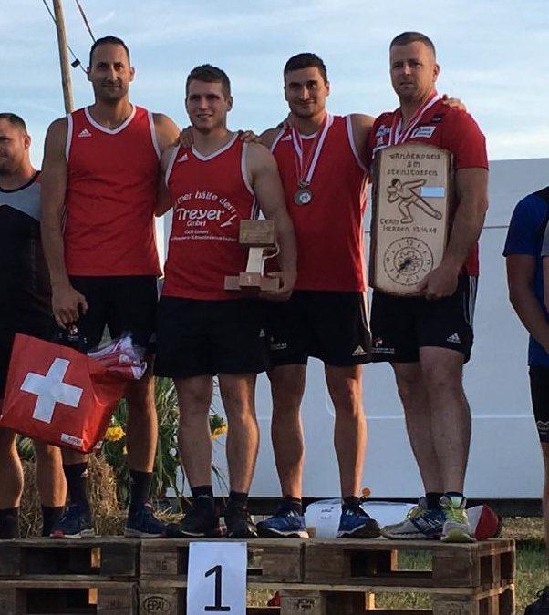 Erfolgreich an den Schweizermeisterschaften Steinstossen